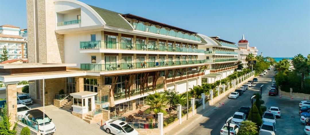 Crystal Waterworld Park Resort & Spa Hotel