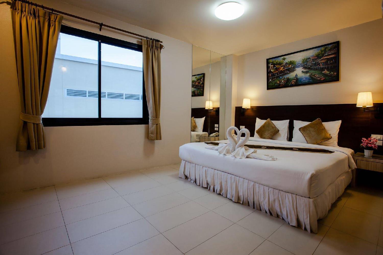 Отель @ White Patong