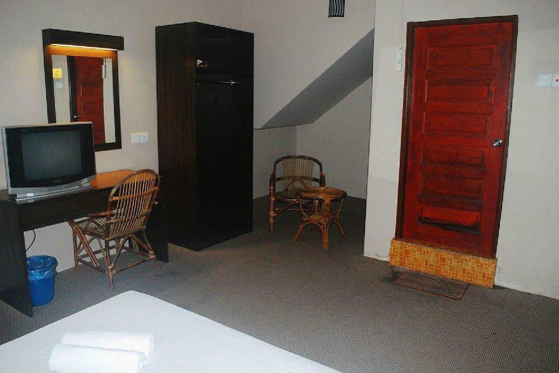 Отель 1 Baron Motel