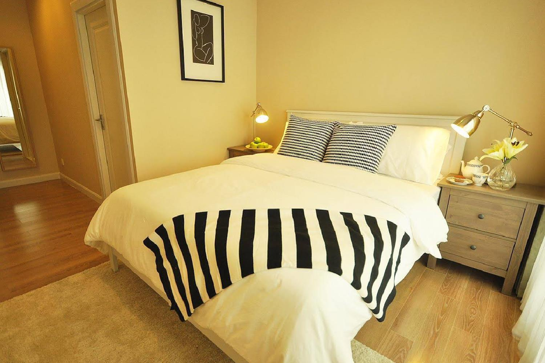 Отель 1-Bed Apartment at National Stadium BTS Station
