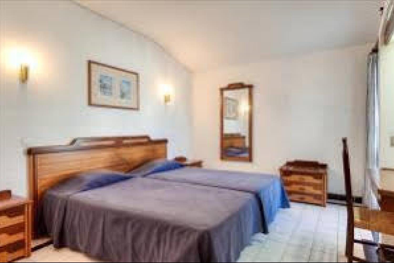 Отель 1 BR Apartment Sleeps 4 - AVA 1166