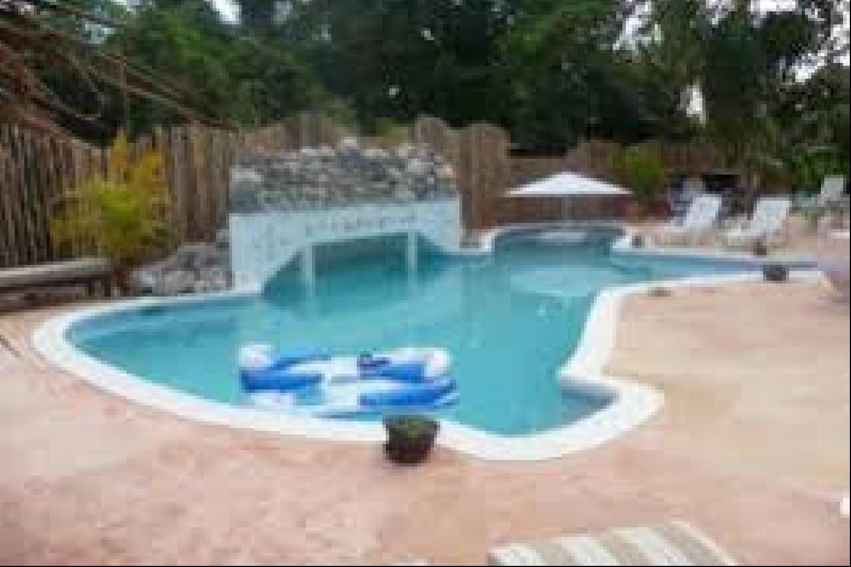 Отель 1 BR Garden Rooms with Pool - PRJ 1293