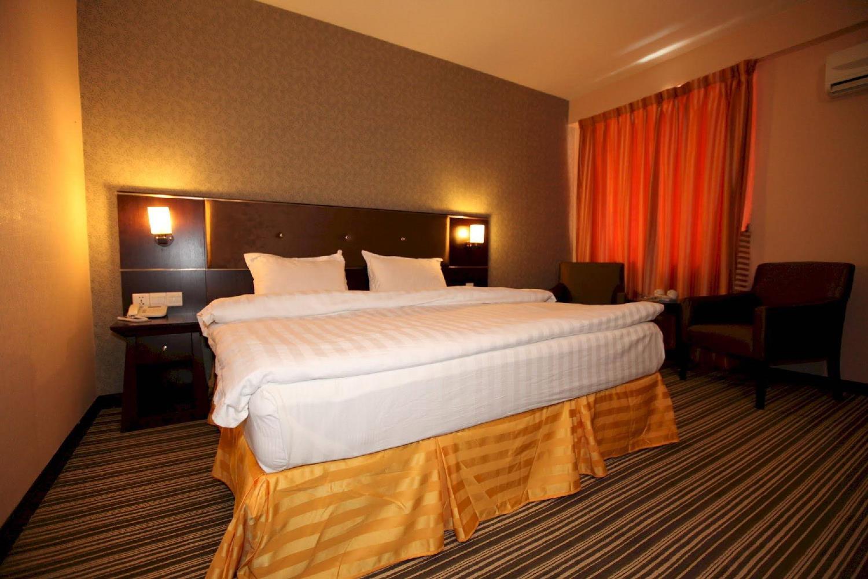 Отель 1 City Hotel
