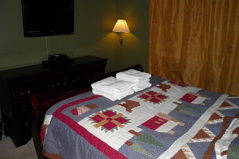 Отель 1028 Silverwood Circle