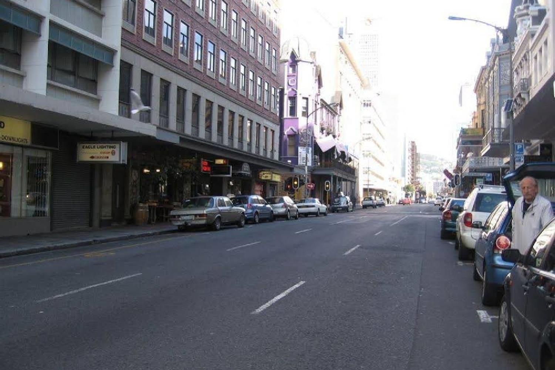 Отель 1109 The Decks at 67 Long Street