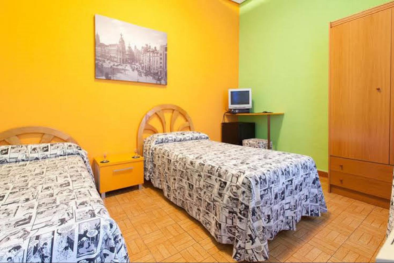 Отель 12 Rooms