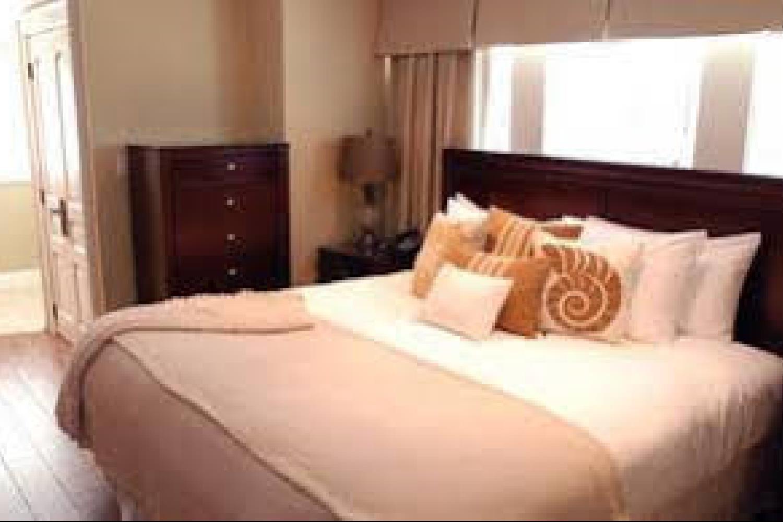 Отель 124 on Queen Hotel & Spa