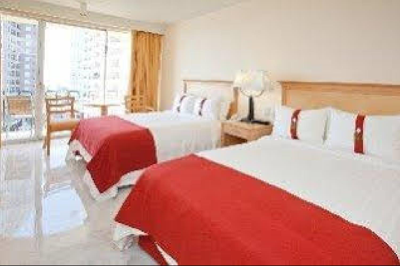 Отель 1242 Pacific