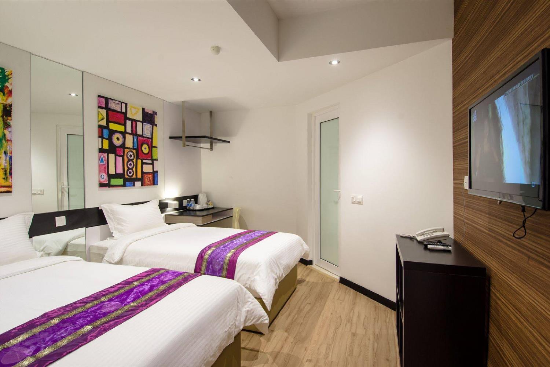 Отель 12FLY Hotel