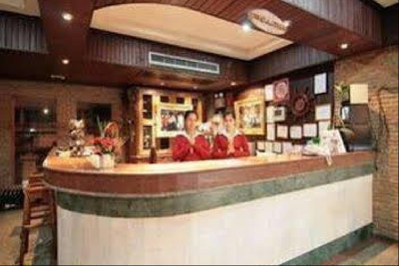 Отель 13 Coins Tower Hotel Ratchada