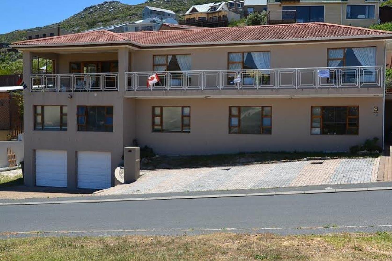 Отель 15 On Penguin Guest House