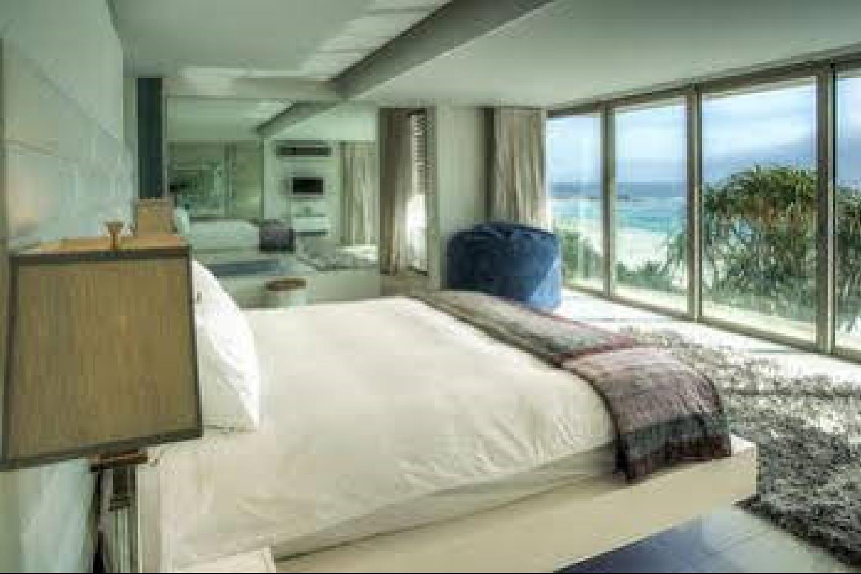 Отель 15 Views House