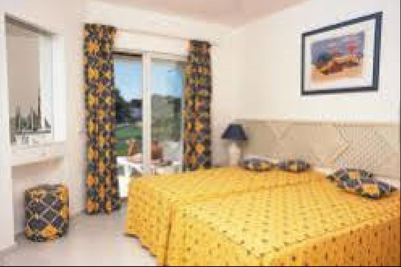 Отель 2 BR Apartment Sleeps 5 - AVA 1143