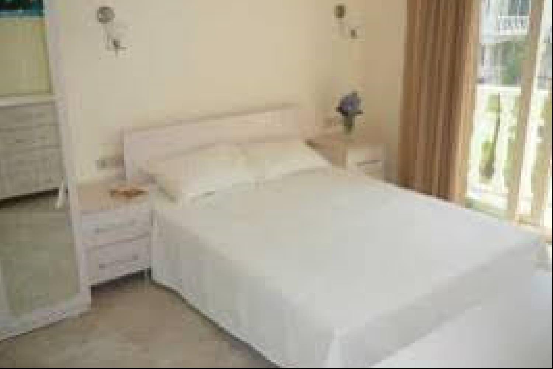 Отель 2 BR Apartment Sleeps 5 - TVL 3823