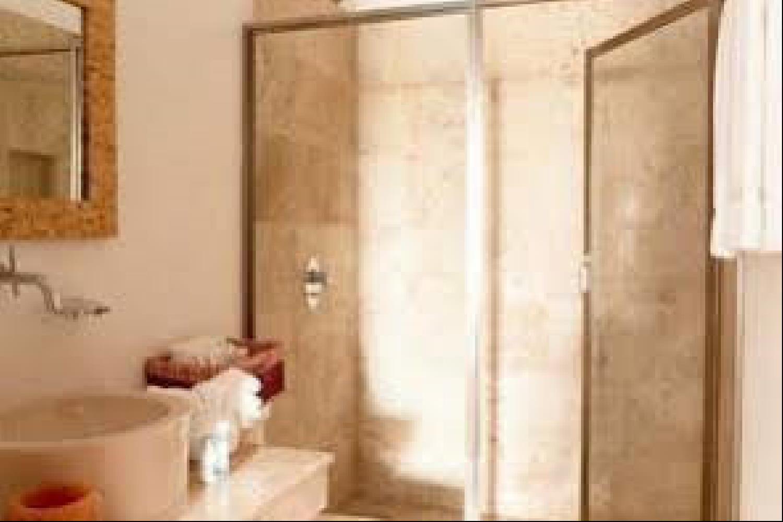 Отель 2 BR Apartment Sleeps 6 - BRI 8564
