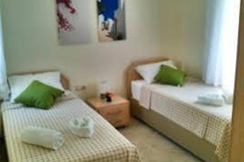 Отель 2 BR Apartment Sleeps 6 - TVL 3818
