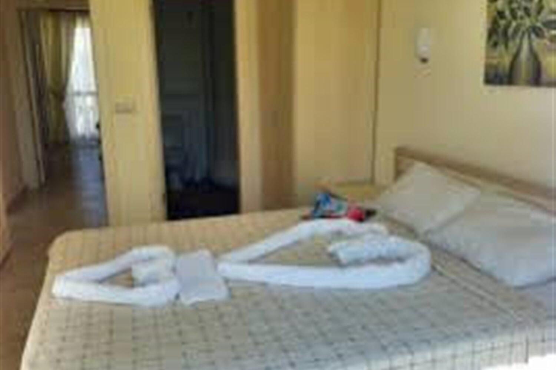 Отель 2 BR Apartment Sleeps 6 - TVL 3865