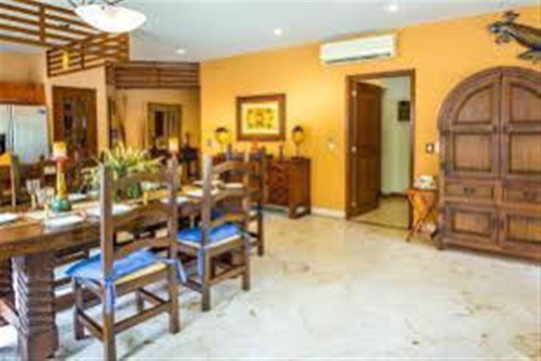 Отель 2 BR Condo Full Kitchen Sleeps 4 - BRI 8683