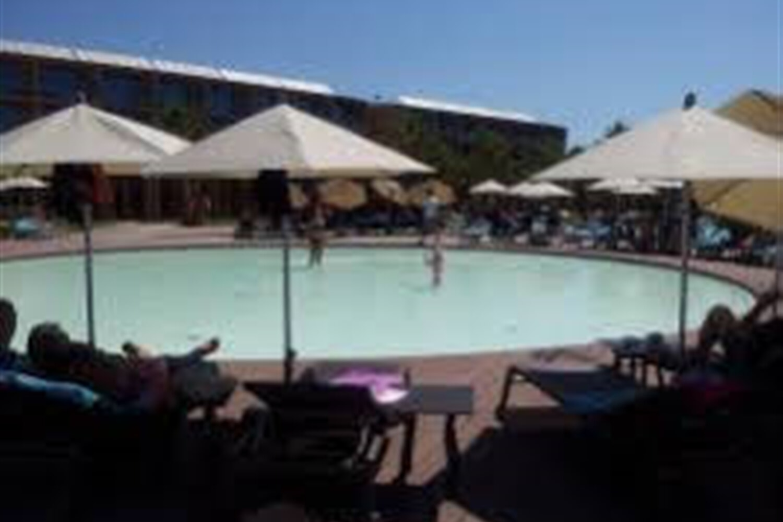 Отель 2 BR Villa Sleeps 5 - UAL 1709