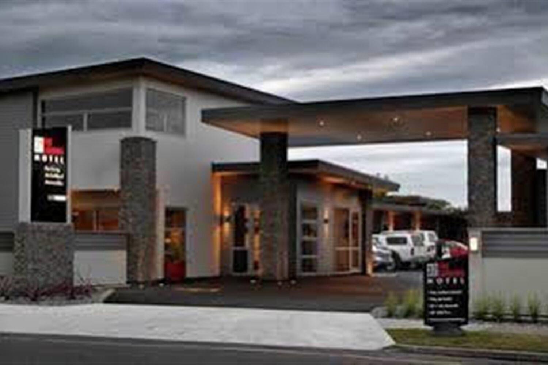 Отель 37 The Landing Motel