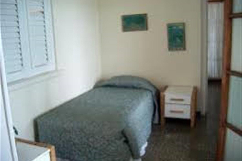 Отель 5 BR Beachfront Villa - Runaway Bay - PRJ 1727