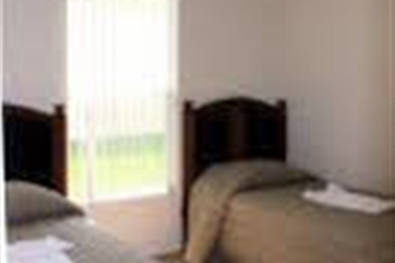 Отель 5 BR Home Full Kitchen Sleeps 10 - VHN 1052