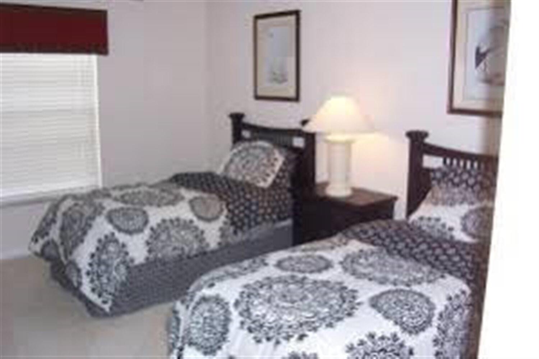 Отель 5 BR Home Kitchen Sleeps 10 - EVF 4103