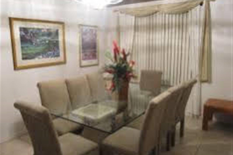 Отель 5 BR Home Kitchen Sleeps 10 - EVF 4107