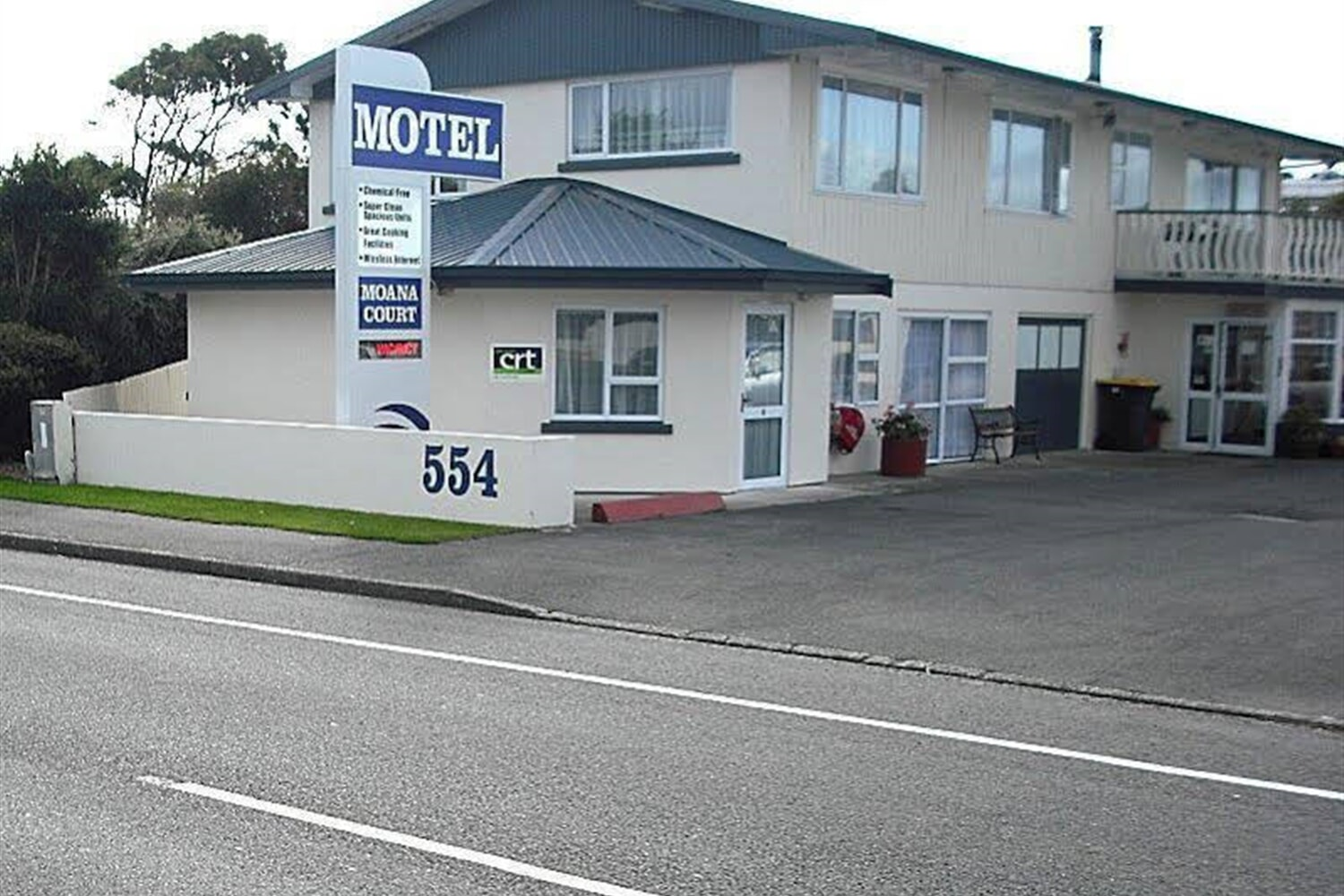 Отель 554 Moana Court Motel