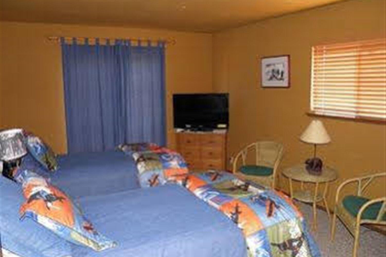 Отель 584 Alpine Dr