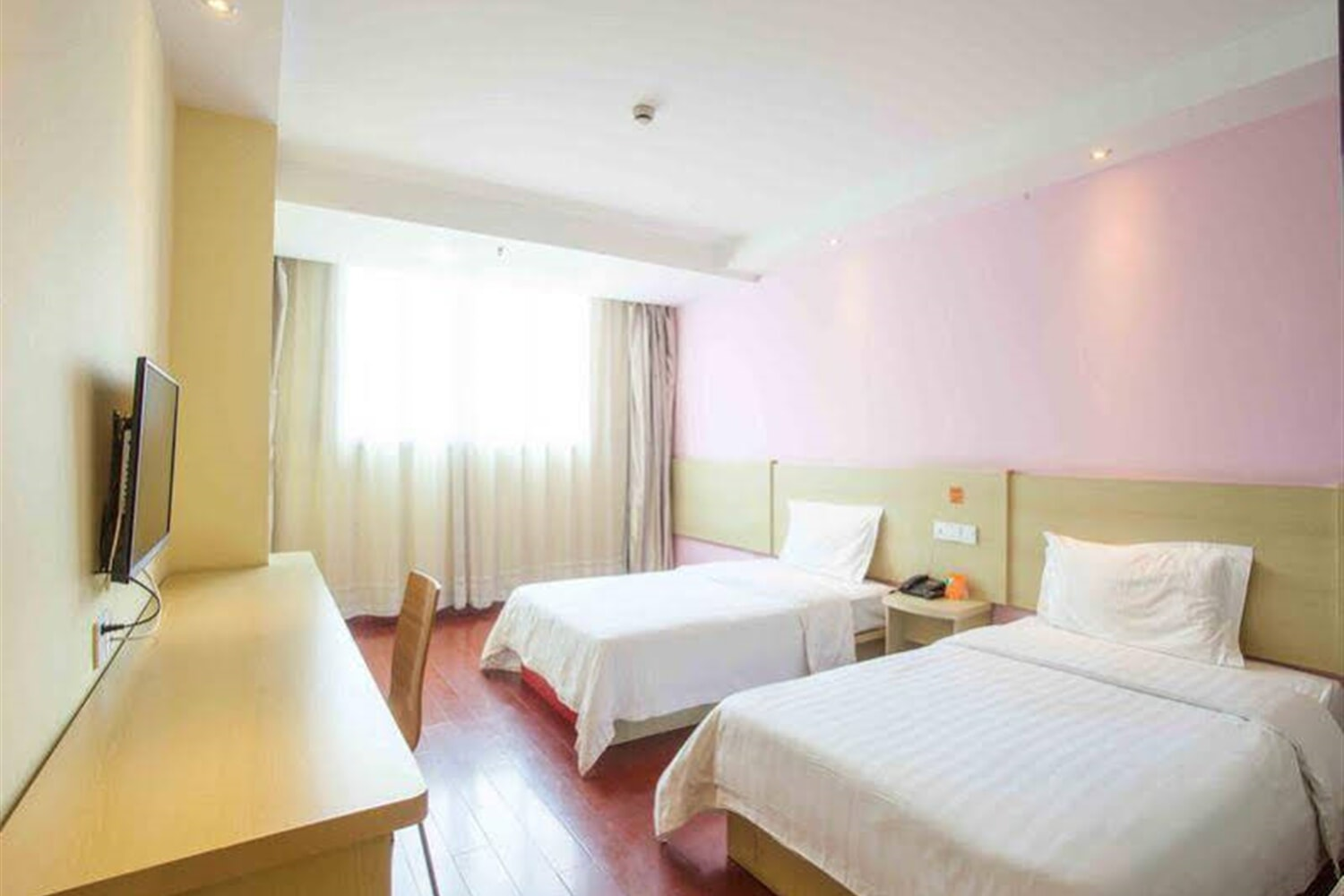 Отель 7 Days Inn Jiangmen Pengjiang Bridge North Branch