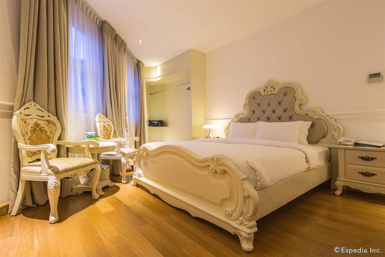 Отель A & Em 280 Le Thanh Ton