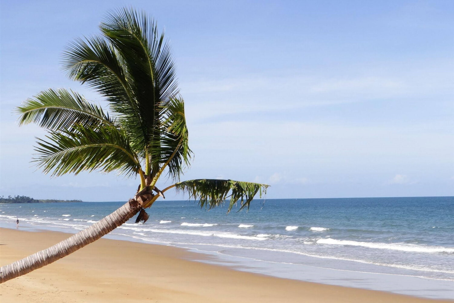 Отель Absolute Backpackers Mission Beach