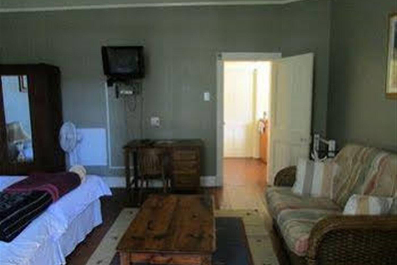 Отель Absolute Leisure Cottages