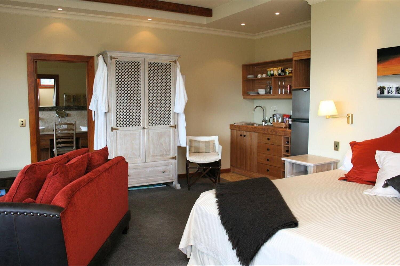 Отель Acacia Bay's Tauhara Sunrise Lodge