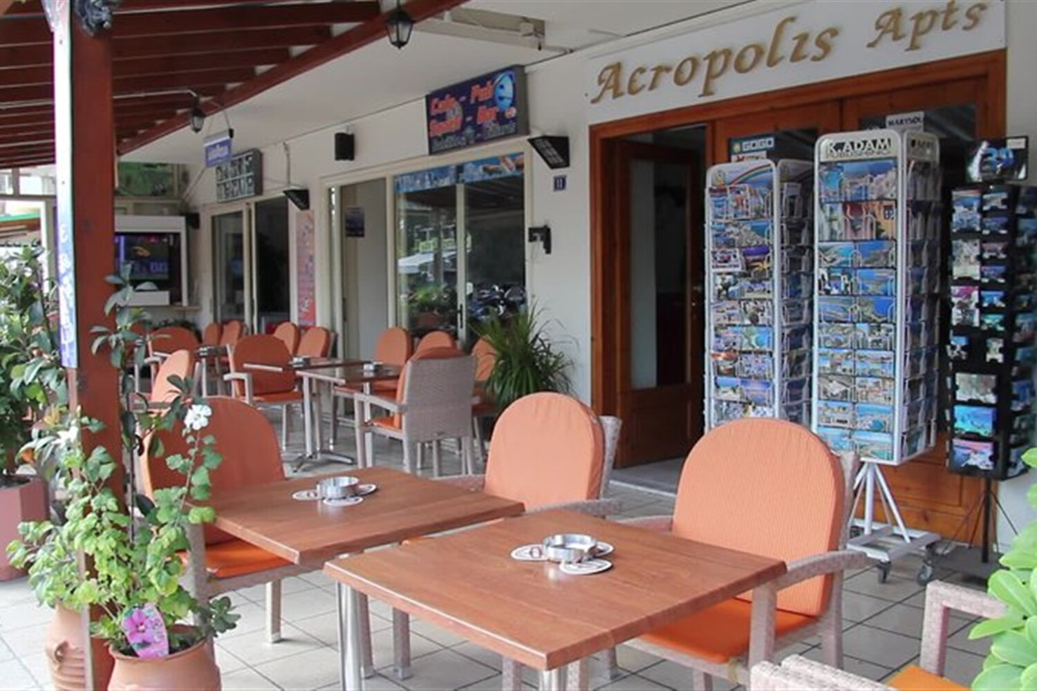 Отель Acropolis Apartments & Cafe Restaurant