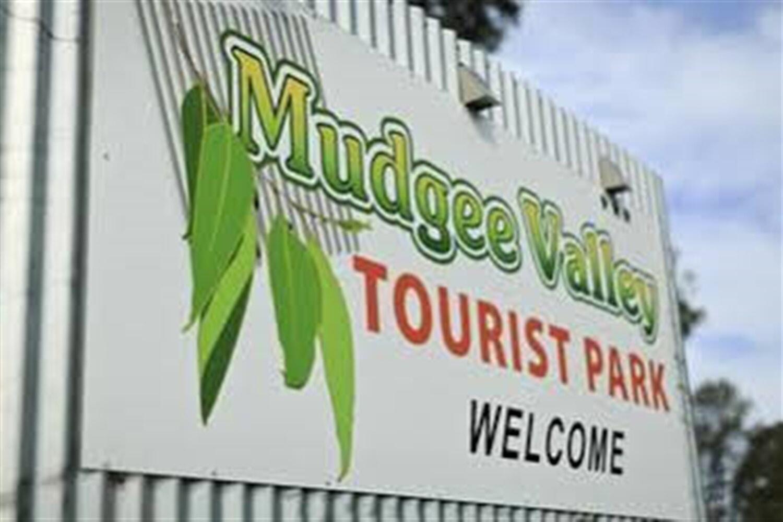 Отель Active Holidays Mudgee Valley