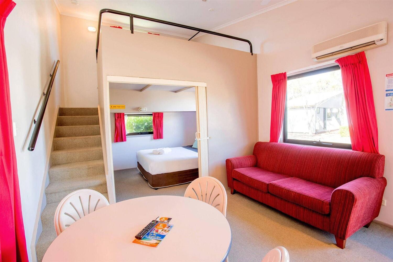 Отель Active Holidays Sydney Hills
