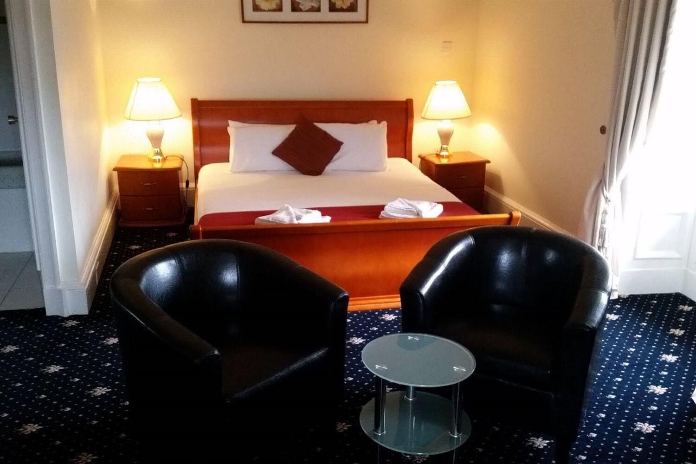 Отель Adamton Country House Hotel