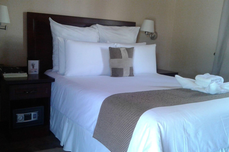 Отель Adansonia