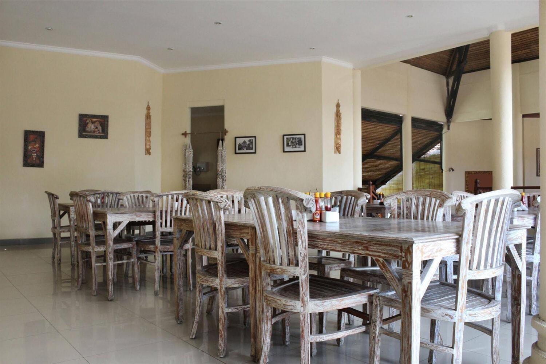 Отель Airy Kuta Bakung Sari Bali