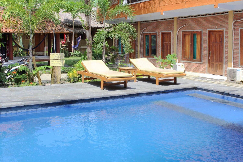 Отель Airy Pantai Senggigi Lombok