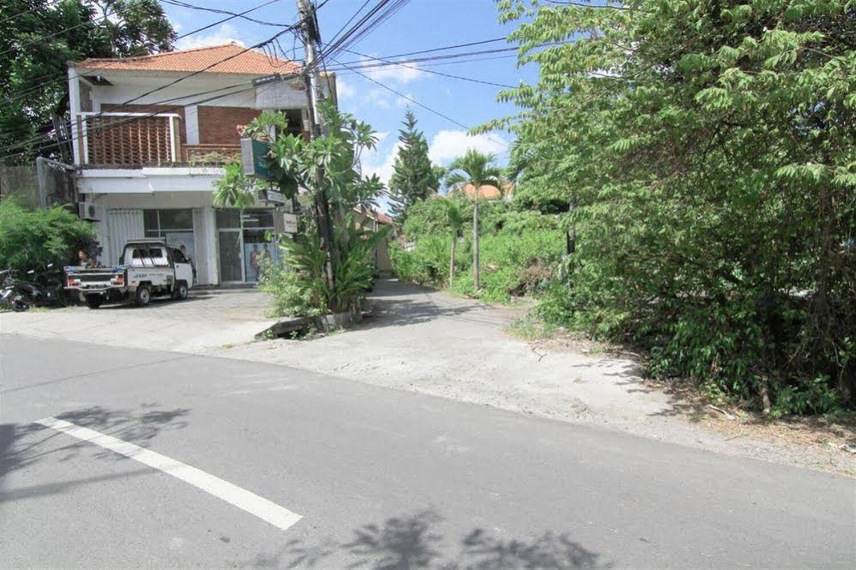 Отель Airy Seminyak Kerobokan Tegal Cupek Gang Karna Bali