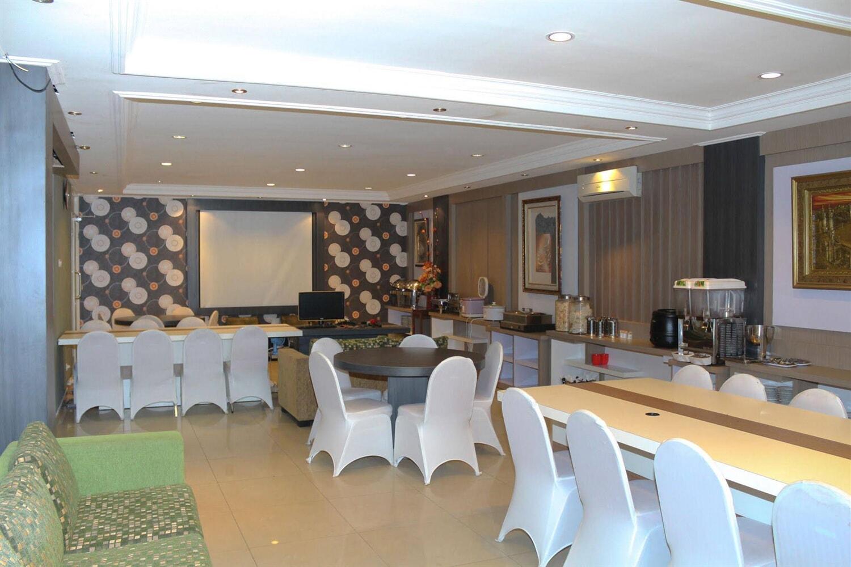 Отель Airy Syariah Bandara Juanda Sidoarjo