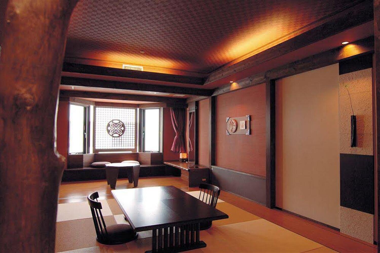 Отель Akan Yukyu no sato Tsuruga