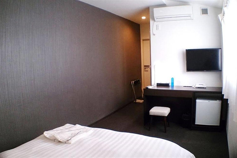 Отель Akasaka Crystal Hotel