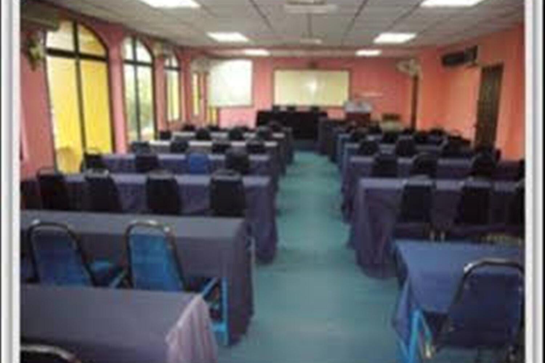 Отель Akasia
