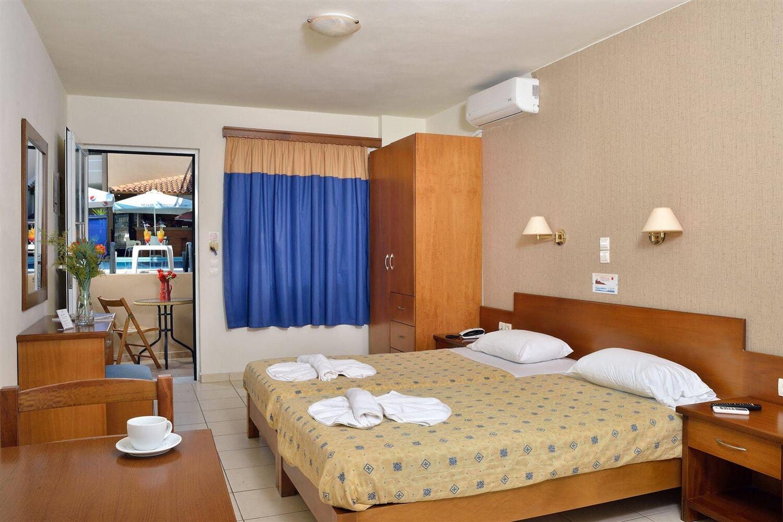 Отель Akatos