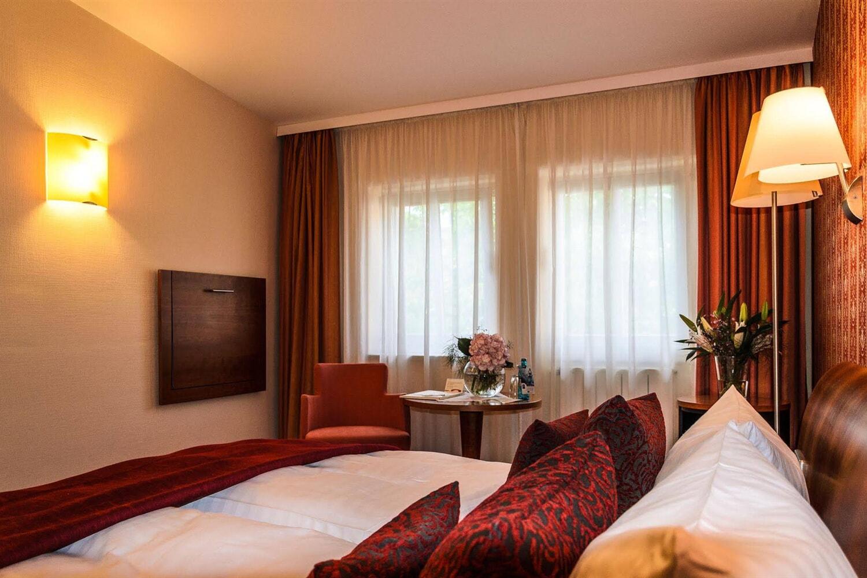 Отель Akzent Hotel Goldner Hirsch Kamenz