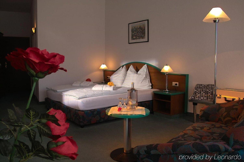Отель Akzent Hotel Zur Post